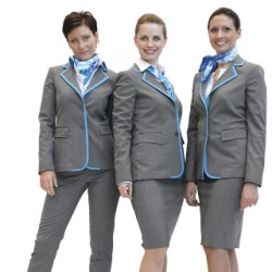 Air Dolomiti presenta le nuove divise delle assistenti di volo