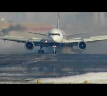 Great Winter Landing Transaero 767 (Toronto) [Video]