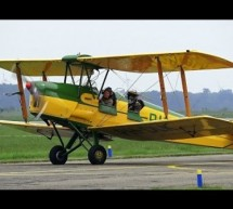 BEAUTIFUL 1942 De Havilland DH-82A Tiger Moth PH-DLK [Video]